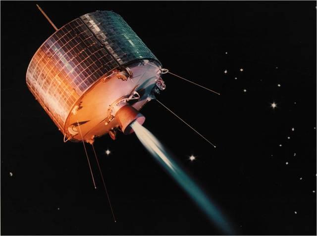 Se mejora la idea y se hace el satélite geoestacionario