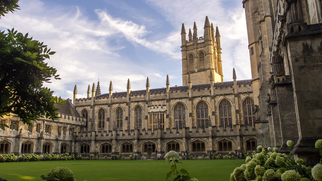 Ingresó en el Magdalen College, de Oxford