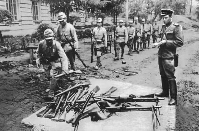 S.U Declares War on Japan