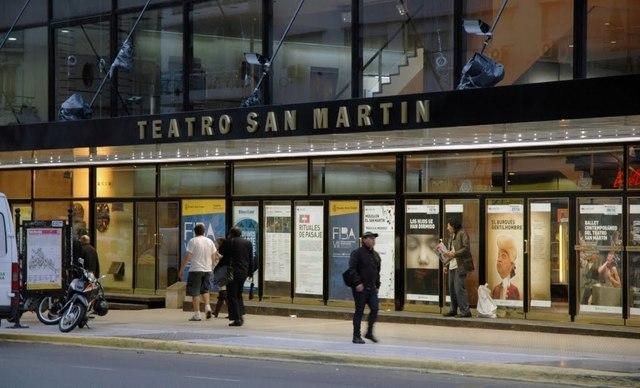 CUL. En Buenos Aires se inaugura el Teatro MUnicipal General San Martín.