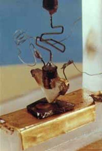 Nace el transistor