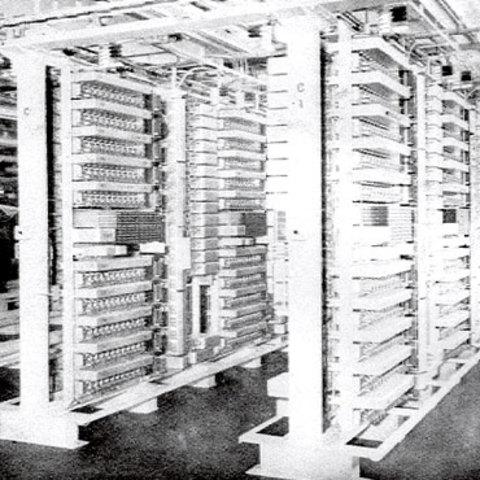 """Step-by-Step"" A. Strowger y la primer central automática."