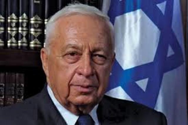 Ariel Sharon (Likud) elegido primer ministro; formas de amplio basan gobierno de unidad.