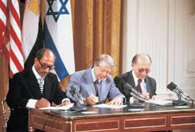 Acuerdos de Camp David incluyen marco para la paz global en Oriente Medio y propuesta de autogobierno palestino.