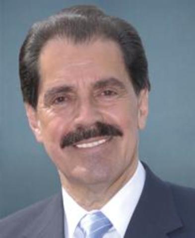 Senator Serrano proposes amendment to repeal the 22nd amendment