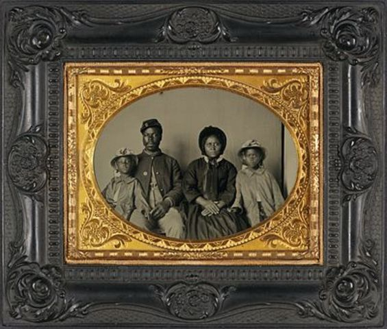 Ambrotype photographs become popular in the U.S