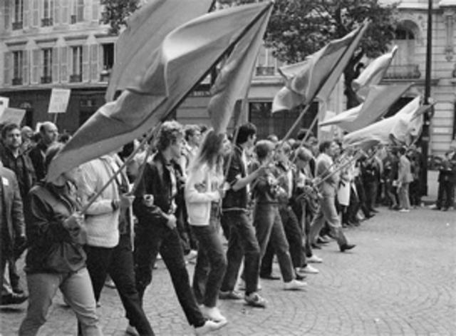 SOC.Estalla una revuelta estudiantil en París
