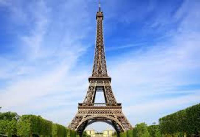 cultural: Se da a  conocer la torre Eiffel