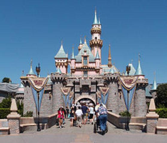 cultural:  Disney landia Se inagura