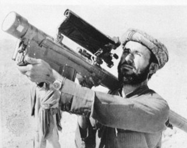 The U.S. gives anti-aircraft missles to Afghany Rebels