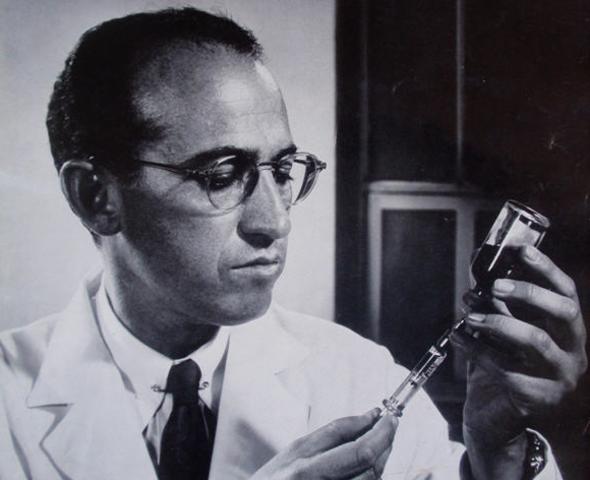 Social: El científico Jonas Salk da a conocer la vacuna Antipoliomielítica