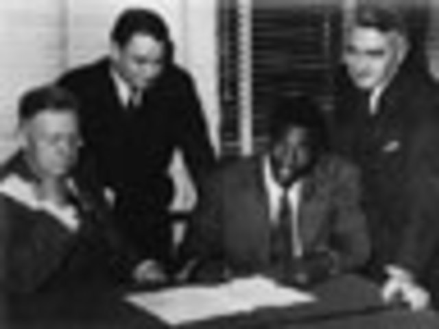 Jackie Robinson agrees to play with the Brooklyn Dodgers