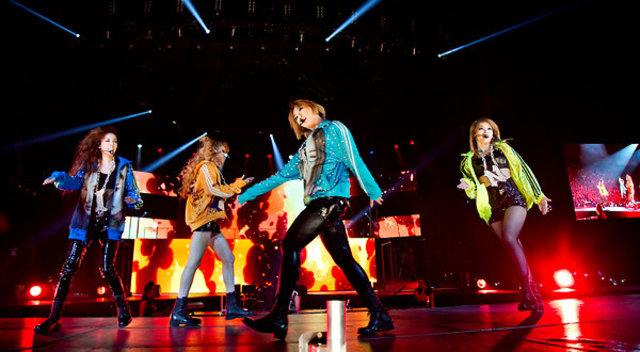 2NE1 & New York Times