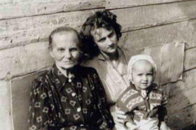 Владимир Путин родился в Ленинграде.