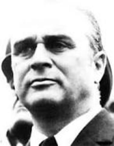 Politico:asume Jorge Pacheco Areco.