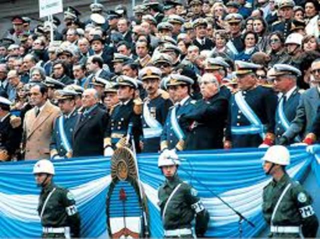 Argentina POL: El gobierno militar dicta la ley 22.924 conocida como: ley Autoamnitia, que establece una amnistiá para los hechos ocurridos entre mayo del 1973 y junio de 1983