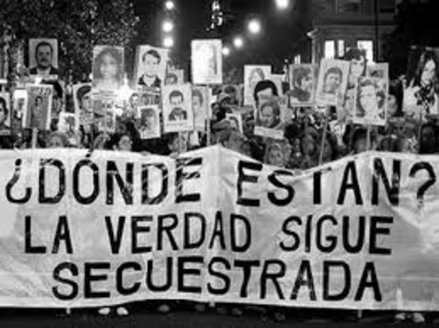 Argentina:Se suceden las protestas de los oficiales citados bajo el marco de la ley de Punto Final y Ovediencia Debida