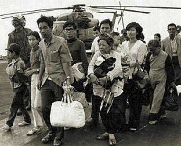Social: caída del Saigón.