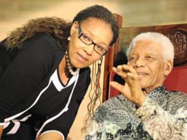 Zenani Mandelaren heriotza.