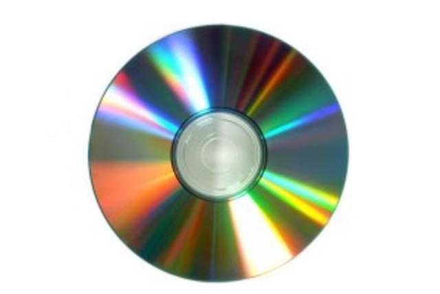 Aparece el Compact Disk (CD)