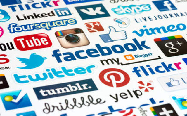 Social Networks (Redes Sociales