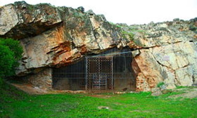 La cueva de Maltravieso --Paleolítoc superior