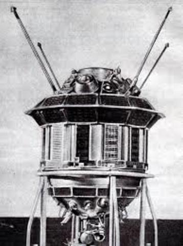 Luna 3 probe flies past the Moon