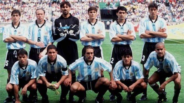 cultural:Laselección nacional de Argentina fue uno de los 32 países participantes de laCopa Mundial de Fútbol de 1998