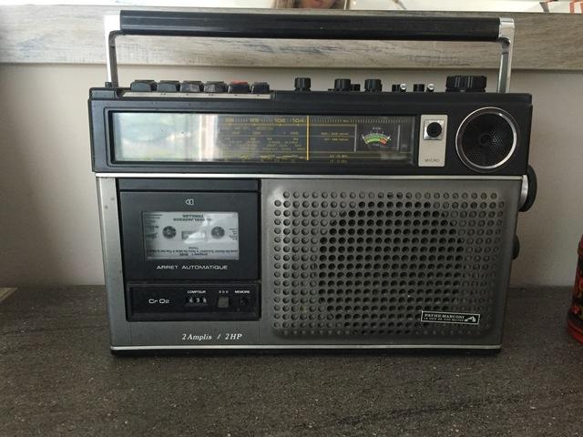 Radio-cassette de la marque Pathé Marconi
