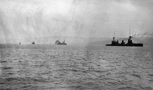 HMAS Sydney destroys the German raider SMS Emden at the Cocos (Keeling) Islands