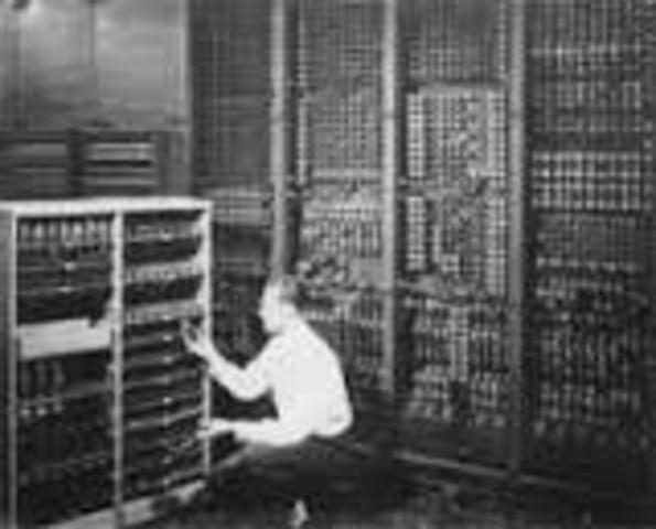 """Aparece la Primera """"Computadora Electrónica"""