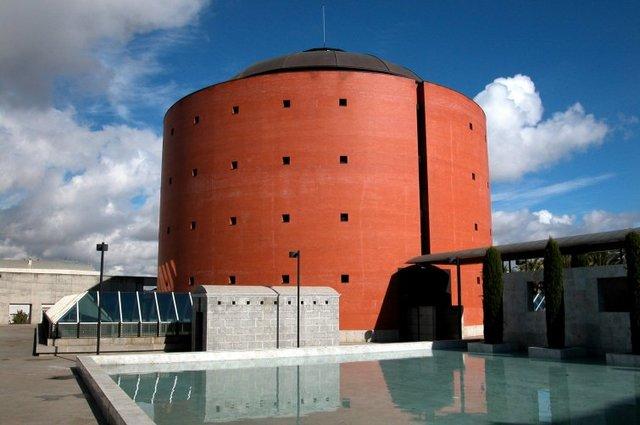 MUSEO EXTREMEÑO E IBEROAMERICANO DE ARTE CONTEMPORANEO. MEIAC (BADAJOZ)