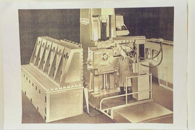Изобретателем первого станка с числовым (программным) управлением является Джон Пэрсонс