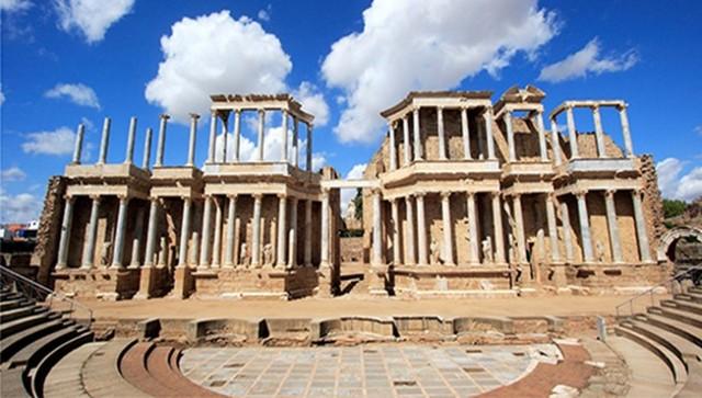 MONUMENTOS (Teatro romano de Mérida)