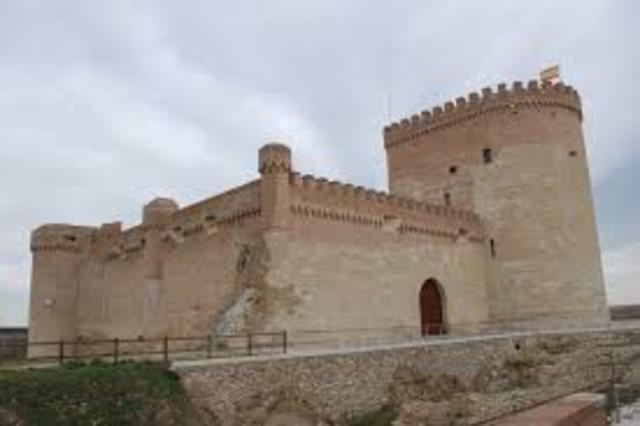 Declaración del Catillo de Arévalo como Patrimonio histórico de España