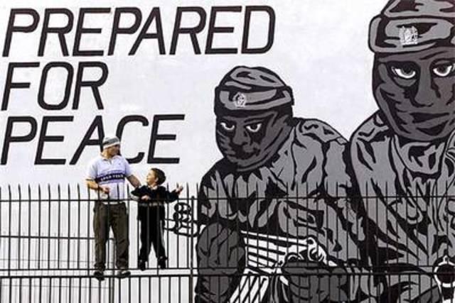 Entrega de armas del IRA-comisión de desarme