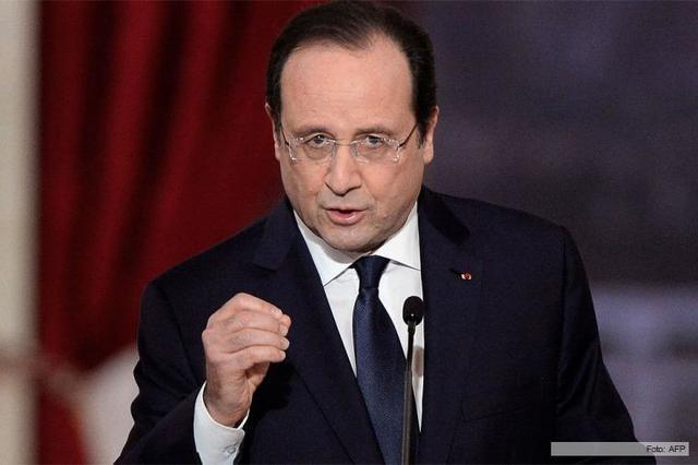 Francia extiende ataques al EI en Siria.