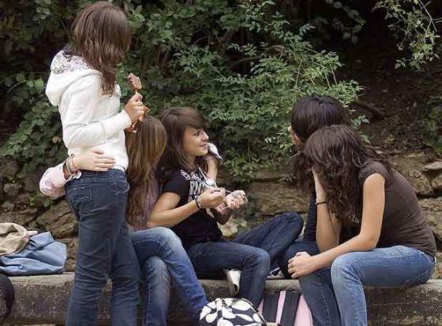 Relaciones socieles de los adolescentes