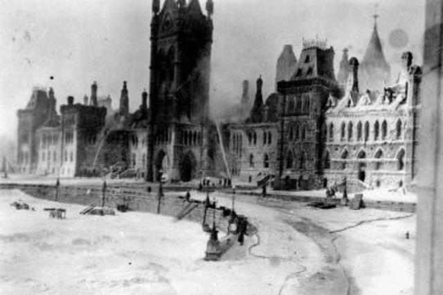 The Parliament buildings are destroyed by fire