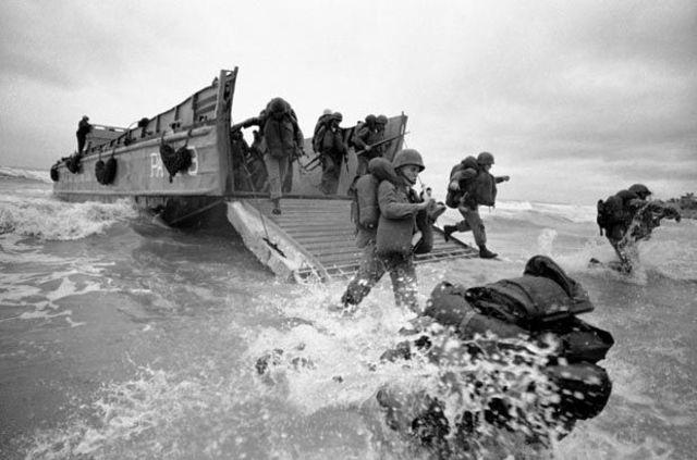 U.S. Marines land at Da Nang
