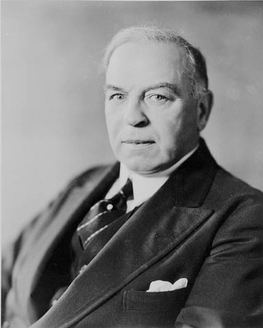 Mackenzie King and the Liberals win federal election