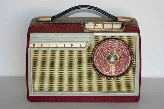 Le poste radio à transistors