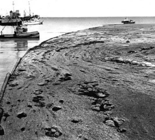 Santa Barbara Oil Spills Draws National Attention