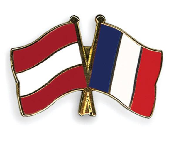 La France et L'Autriche veulent prendre la trône.