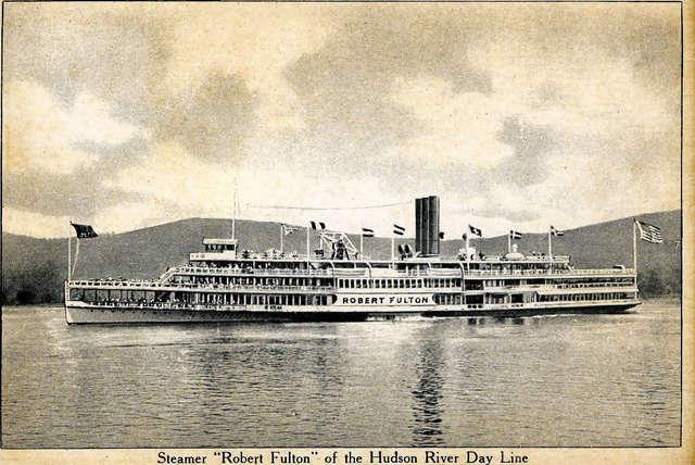 Robert Fulton sails the Hudson River - DE