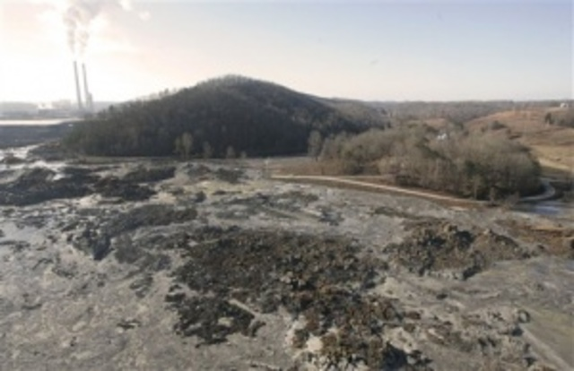 Worst Coal Ash Spill in US History in Kingston, Tennessee