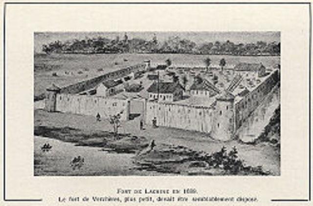 En 1715 le fort La Tourette aussi appelé La Maune au nord-est du lac Nipigon est fortifié.