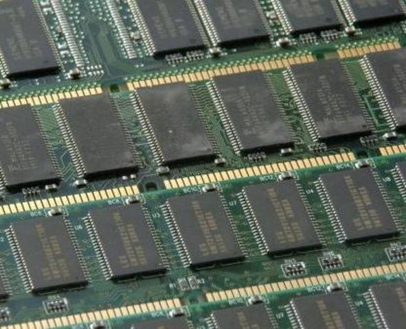 Primeras memorias en los ordenadores