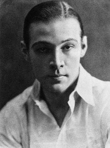 Rudolph Valentino Dies of Peritonitis