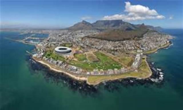 Dutch Settle in Cape Town